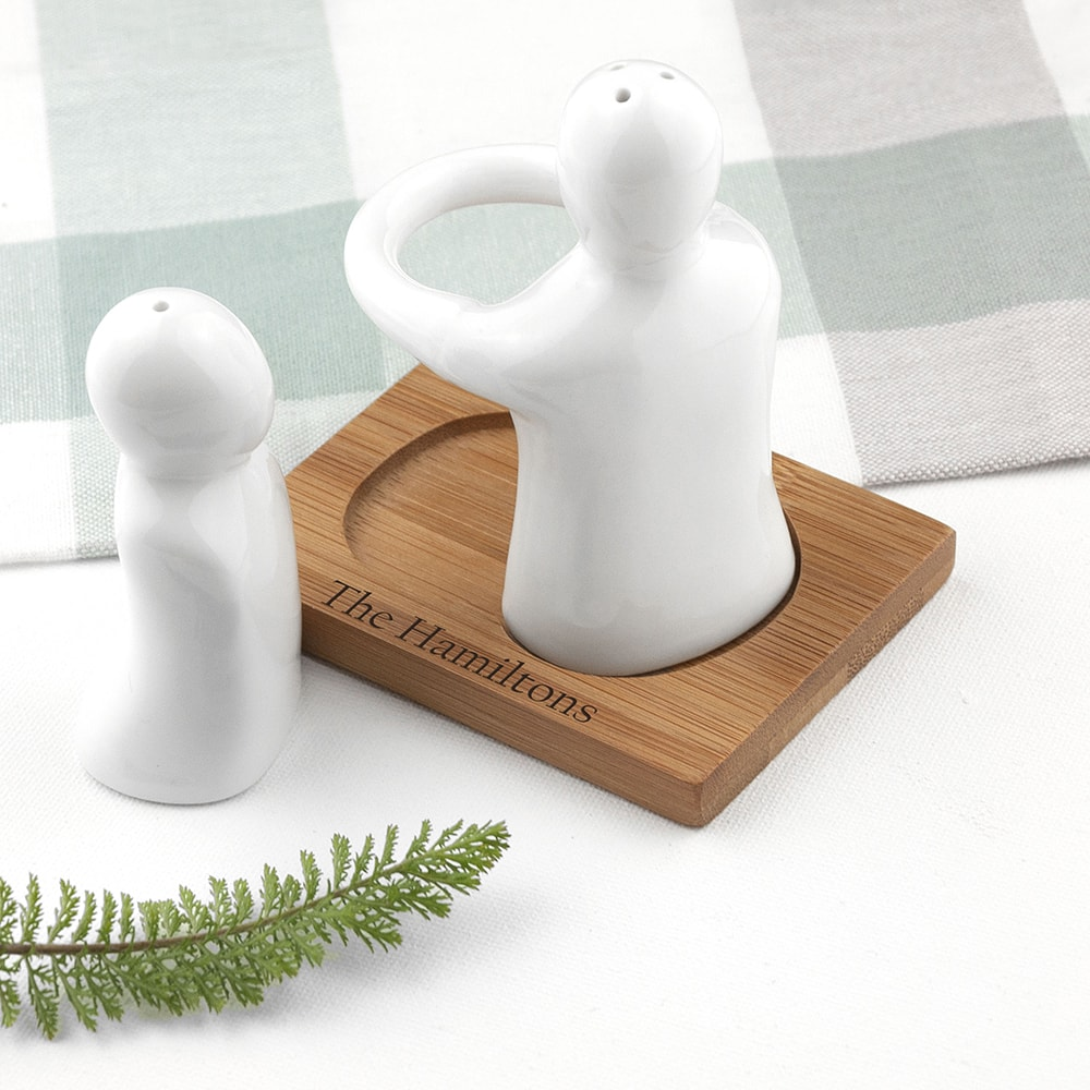 images/personalised-hugging-salt-and-pepper-pot.jpg
