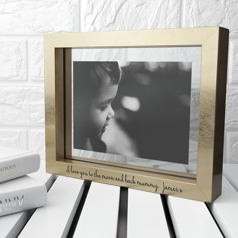 images/personalised-metallic-photo-frame.jpg