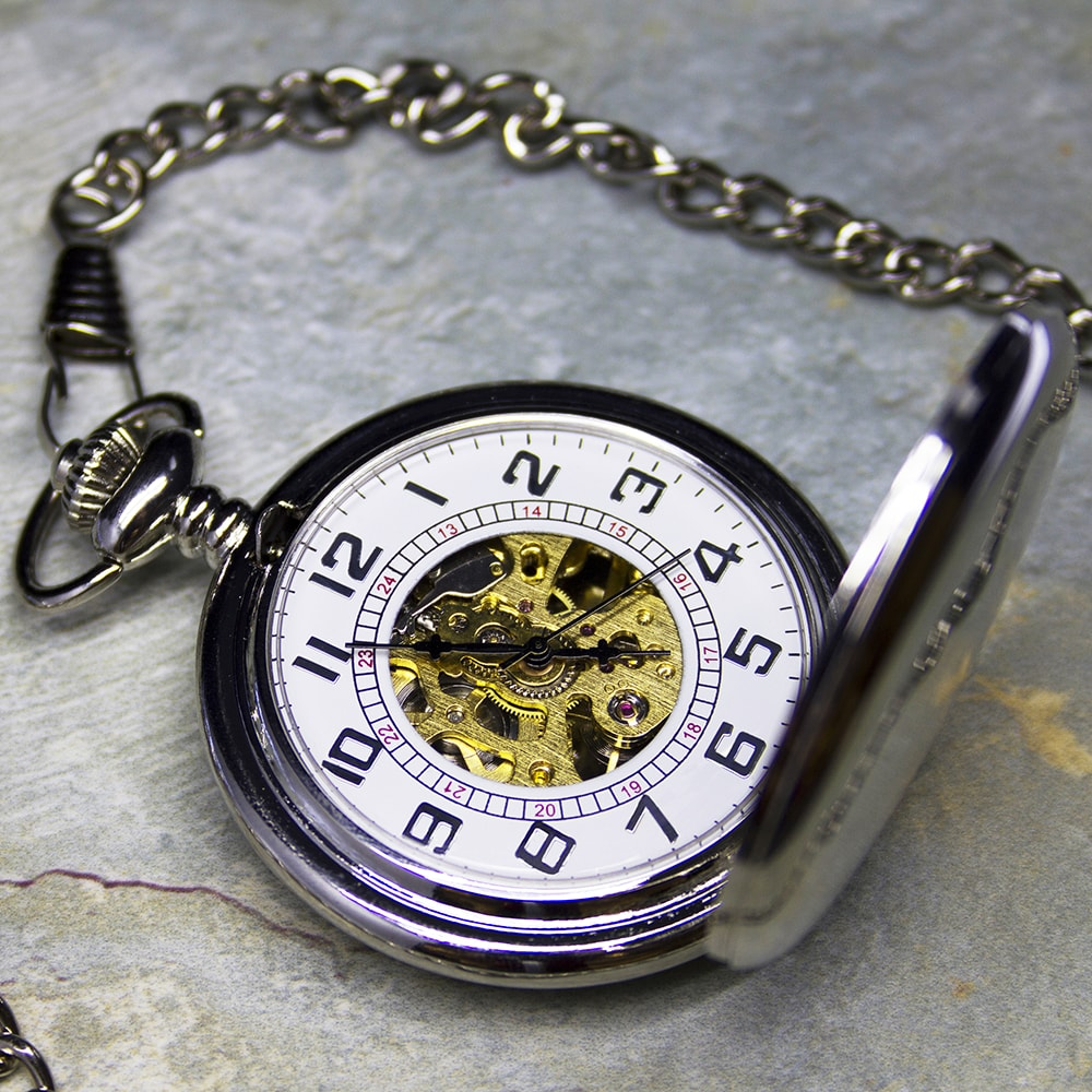 images/personalised-pocket-watch.jpg